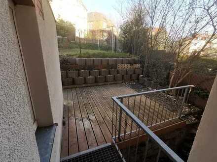 sonnige Wohnung mit Terrasse und Einbauküche