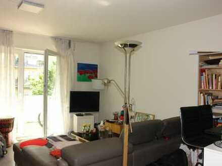 Gemütliche 1,5-Zimmer-Wohnung mit Balkon und Tiefgaragen-Stellplatz in 71229 Leonberg