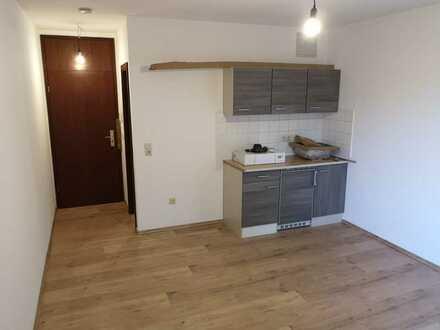 renoviertes Appartement mit Einbauküche und Teilmöblierung