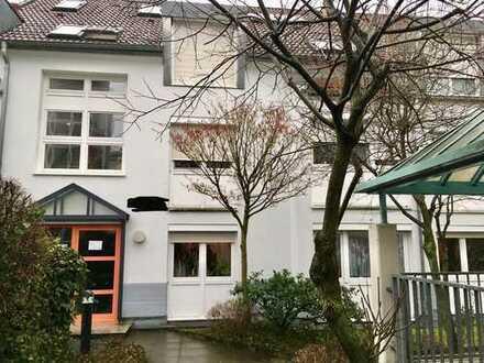 Sehr schöne 2-Zimmerwohnung in Bad Cannstatt-Seelberg