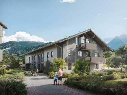 Ein lebendiges Stück Garmisch-Partenkirchen! Tolle 2-Zimmer-Dachgeschosswohnung mit Süd-West-Loggia