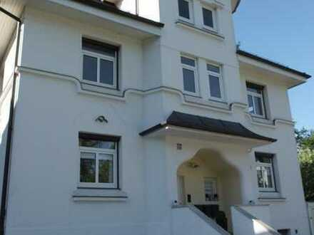 Helle DG Wohnung mit Schrägen, 2-3 Zimmer OHNE Lift