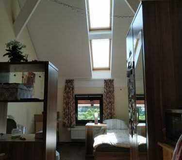 Ein Zimmer Wohnung direkt am ERBA-Park
