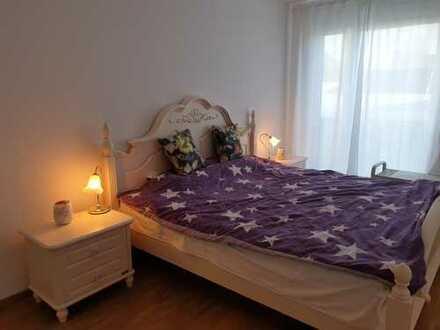 Ein gehobenes möbiliertes Schlafzimmer in Doppelhaus zu vermieten, Nichtraucher, Kueche kann benutzt