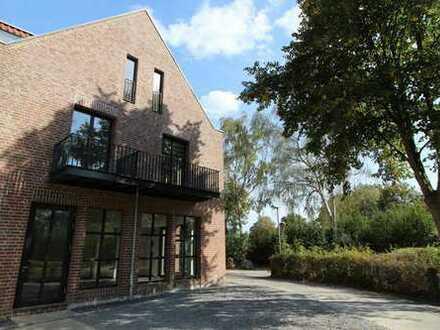 Moderne Architektur trifft auf Denkmalschutz: Urbane Maisonette-Wohnung im Mertenshof!