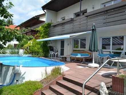 sehr gepflegtes 1-3-Familienhaus mit Pool und Sauna in ruhiger Lage