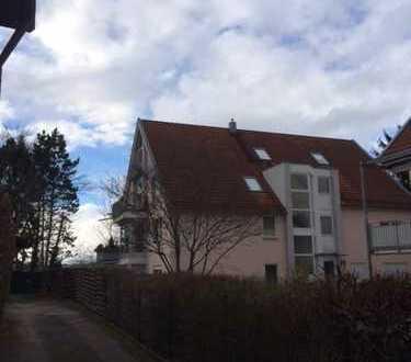 Gepflegte 2,5-Zimmer-Maisonette-Wohnung mit Balkon und Einbauküche in Ulm-Gögglingen