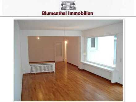 Modernisiert u. renoviert ! Attrakt. 3-Raum-Wohn., 45 m² Terrasse u. Garten in KR-Bismarckviertel !