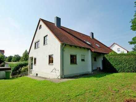 Charmante Doppelhaushälfte in Steinweg für die ganze Familie!