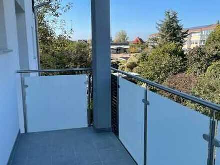 Erstbezug nach Sanierung mit Balkon: freundliche 4-Zimmer-Wohnung in Kuppenheim