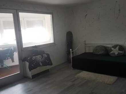 Schöne 2,5-Zimmer-Wohnung mit EBK in Kirchheim am Neckar