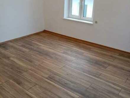 Komplett sanierte 4-Raum Wohnung in Raschau mit Balkon, Stellplatz und Gartennutzung