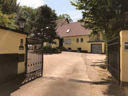 Langenfeld - * ANWESEN MIT 5000m² GRUNDSTÜCK**