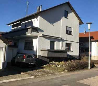 Schönes Haus mit acht Zimmern in Göppingen (Kreis), Lauterstein