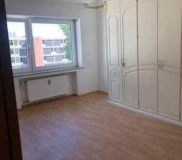 Erstbezug nach Sanierung:3-Zimmer-Wohnung mit Balkon in Sülzer Studentenviertel neben der Uni , Köln