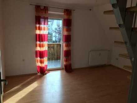 Modernisierte 3,5-Zimmer-Wohnung mit Balkon und Einbauküche in Gersthofen