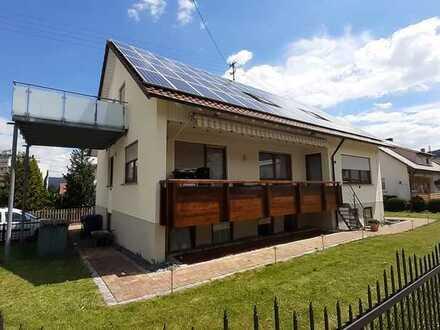 Schöne, gepflegte 4-Zimmer-Wohnung im DG mit Balkon und Einbauküche in Balingen