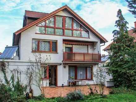 Einfamilienhaus mit Abgeschlossenheitsbescheinigung für 3 Wohneinheiten