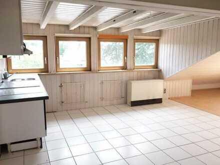 Großzügige Dachgeschosswohnung mit Loggia in Bestlage von Feudenheim!