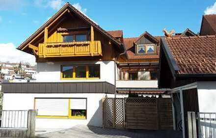 Modernisierte 4-Zimmer-Wohnung mit Balkon und Einbauküche in Deggendorf
