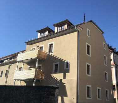 ERSTBEZUG!5-Raum-Maisonettewohnung im DG (2.OG) mit Balkon, 2 Bädern, offener Küche, sep. Dachboden!