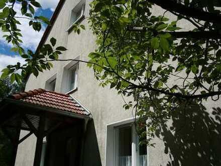 Naturnahe, modernisierte 5-Zimmer-Wohnung mit 2 Bädern und EBK in Randlage von Biesenthal