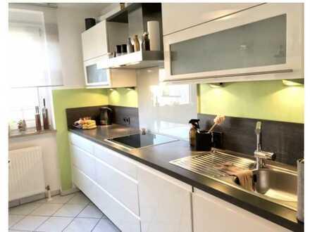 Wunderschöne 2-Raum-Wohnung mit EBK und Balkon in Nürnberg