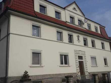 Profi Concept: Ebrach, schicke 3-Zimmer Dachgeschoß - Wohnung mit Balkon in kleiner Wohneinheit