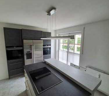 Attraktive Maisonette Wohnung mit Balkon und exklusiver Einbauküche