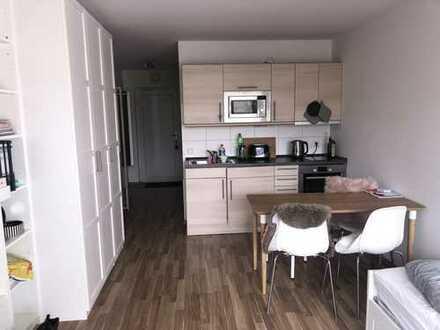 Stilvolle, helle 1-Zimmer-Wohnung mit Balkon und EBK in Erlangen