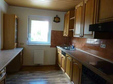 Gepflegte 3-Zimmer-Wohnung mit Balkon und Einbauküche in Reichenbach