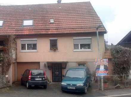 Freundliches 8-Zimmer-Einfamilienhaus zum Kauf in Keltern