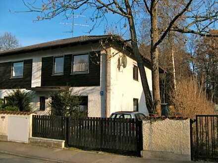 Schönes, geräumiges Haus mit drei Zimmern in München, Trudering