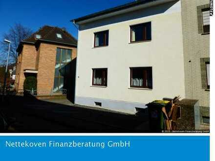 Einfamilienhaus in günstiger Lage in Bornheim-Zentrum
