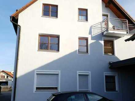 Gemütliche 2,5-Zimmer-Dachgeschosswohnung mit offener Küche