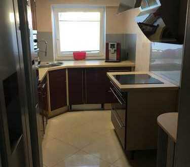 Stilvolle, gepflegte 3-Zimmer-Wohnung mit Balkon und Einbauküche in Schorndorf