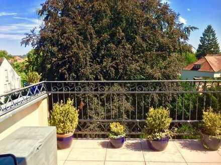 – Gute / Zentrale Lage – Wohnen / Balkon im Grünen, hochwertige 4 Zimmer- inkl. Küche / in Neuburg!