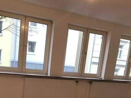Vollständig renovierte 3-Zimmer-Wohnung mit Balkon in Dortmund /Klinikviertel