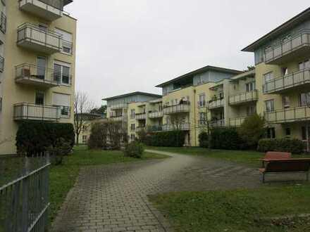 Wohnen auf Zeit in heller, renovierter 2-Zimmer-Terrassenwohnung mit Einbauküche ~ Nelle Immobilien