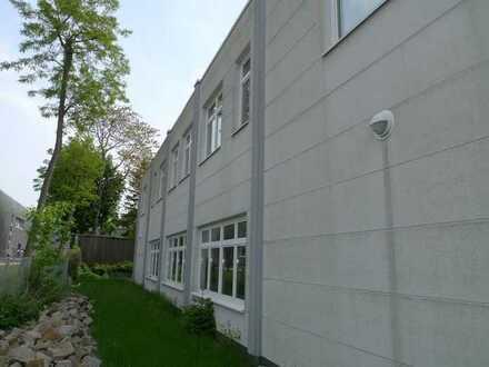 Potsdam: Großes bezugsfreies Gewerbeobjekt in zentraler Lage