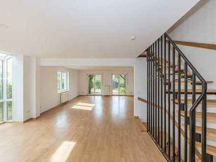 Viel Platz für die ganze Familie! Bezugsfreie Doppelhaushälfte in Hönow mit Garten und Carport