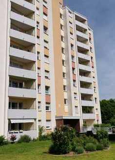 Gepflegte 2-Zimmer-Wohnung mit Loggia und schönem Ausblick ins Grüne, inkl. Stellplatz