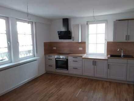Von Privat: Wunderschöne 2-Zimmer Erdgeschosswohnung mit Wohnküche