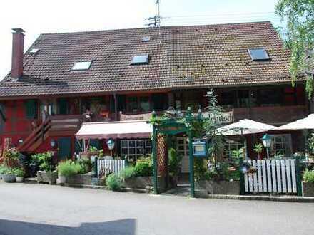 Grund solides Wohn- u. Geschäftshaus mitten im Weinort Durbach