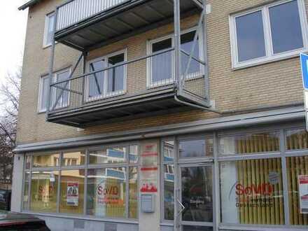 Vollständig renovierte Wohnung mit vier Zimmern und Balkon in Braunschweig