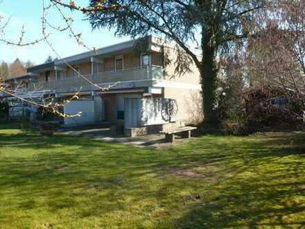 Demnächst mit neuen Fenster: Gemütliches 4-Zimmerhaus mit traumhaften Garten in Waldrandnähe