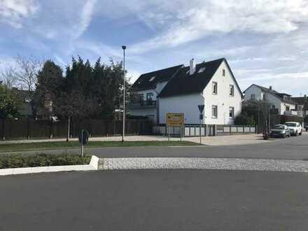 Gepflegtes Zweifamilienhaus mit ausgebautem Dachgeschoss in zentraler Lage von Dreieich-Götzenhain
