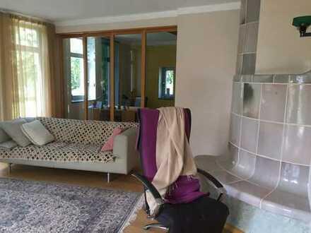 Schönes, geräumiges Haus mit sieben Zimmern in Regensburg (Kreis), Lappersdorf