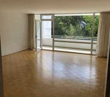 900 €, 100 m², 3 Zimmer