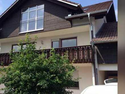 Neuwertige 4-Zimmer-Wohnung mit Balkon in Markt Wald